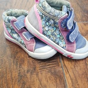 See kai run toddler size 8